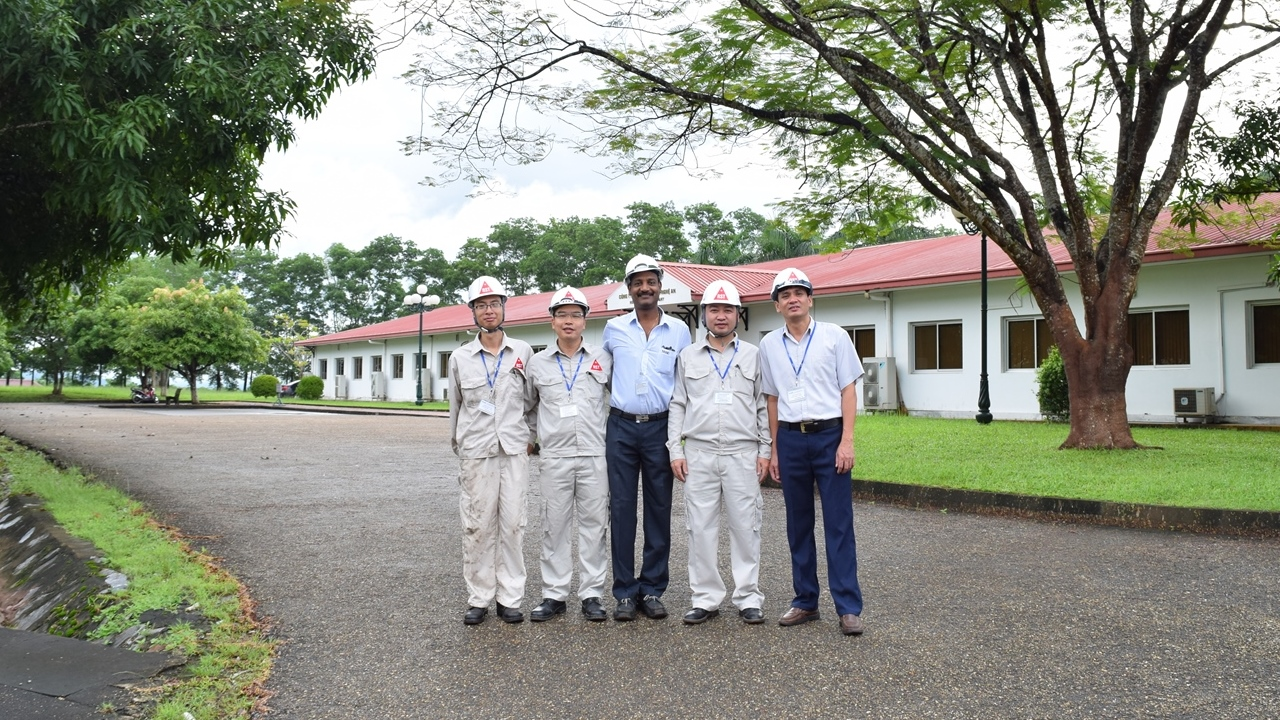 Kiểm định viên và chuyên gia nước ngoài tại NASU