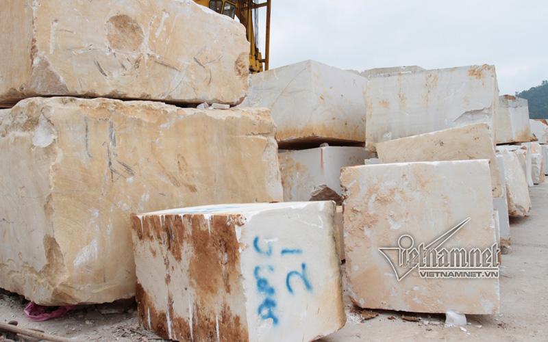 Nghệ An: Sập mỏ khai thác đá, 3 người chết thảm