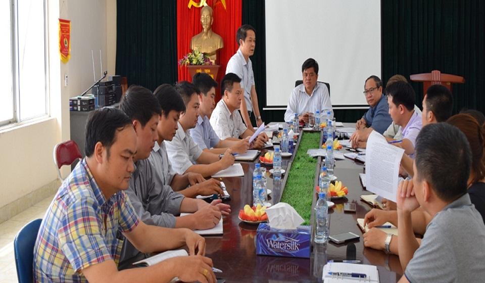 Thứ trưởng BNN&PTNT Trần Thanh Nam làm việc với trung tâm.